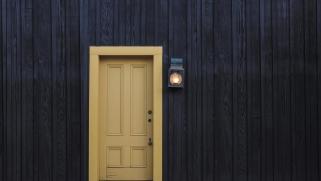 Décorez votre porte d'entrée pour Noël et toute l'année !