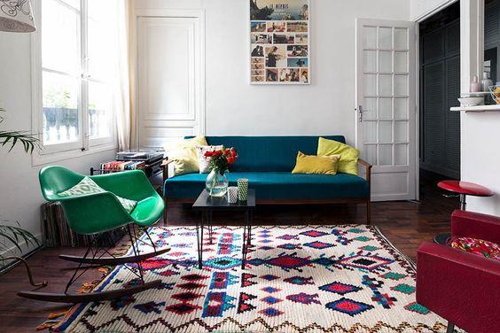 canapé-tapis-graphique-décoration-couleurs